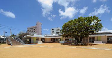 与儀幼稚園園舎(建築)